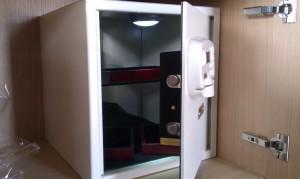 ambassador-box-safe1613